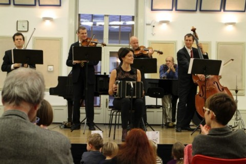 Playing for children at the Budapest festival Orchestra's event with Lanner Quartet. The host of the event is Iván Fischer.