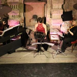 Concert in Brody Studios with Flowtango. Piano: Éva Gárdos, violin: Eszter Horváth